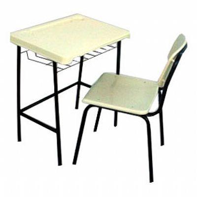 Mesa e cadeira escolar adulto em polipropileno
