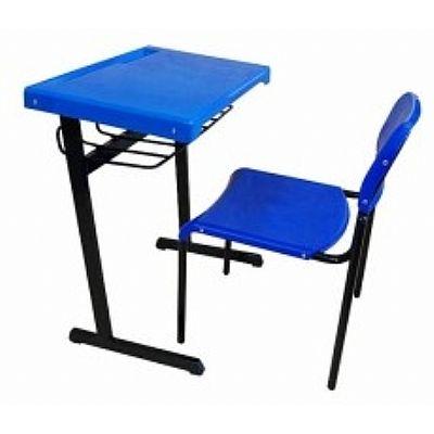Mesa e cadeira escolar em polipropileno azul